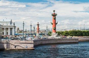 瓦西里岛古港口灯塔 景点图片
