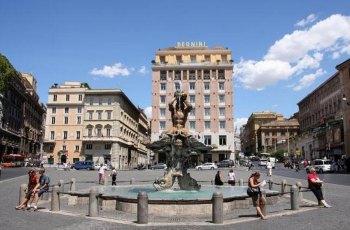 巴贝里尼广场 景点详情