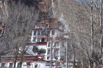 鲁普岩寺 景点图片