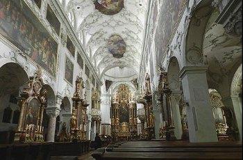 圣彼得教堂 景点详情