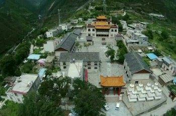 宝殿寺(喇嘛寺) 景点图片