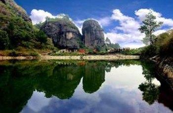 东岩(赤石楼) 景点图片