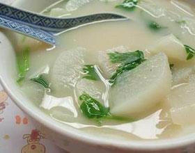 奶汤炖萝卜汤