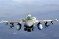 """F-16""""战隼"""""""