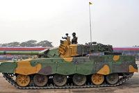 """MBT-2000""""哈立德""""主战坦克"""