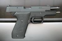 西格P220手枪