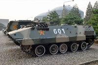 85式(YW531H)装甲输送车